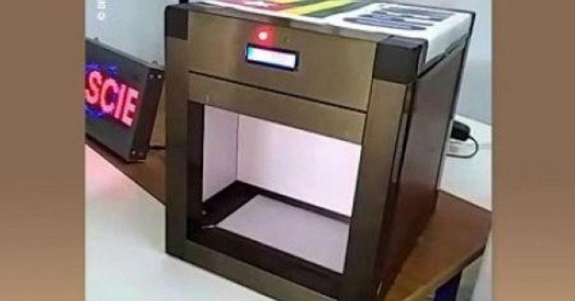 Distributeur automatique de gel hydroalcoolique