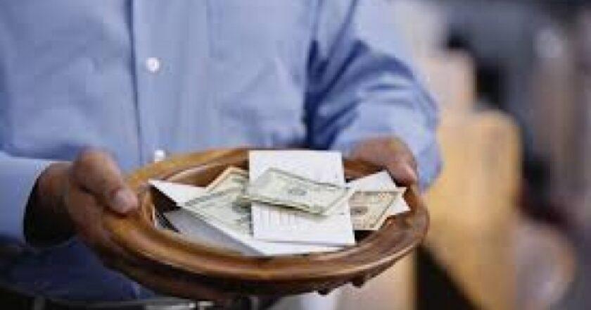 Cet homme réclame auprès de son ancienne église le remboursement des dîmes payées de 1998 à 2018