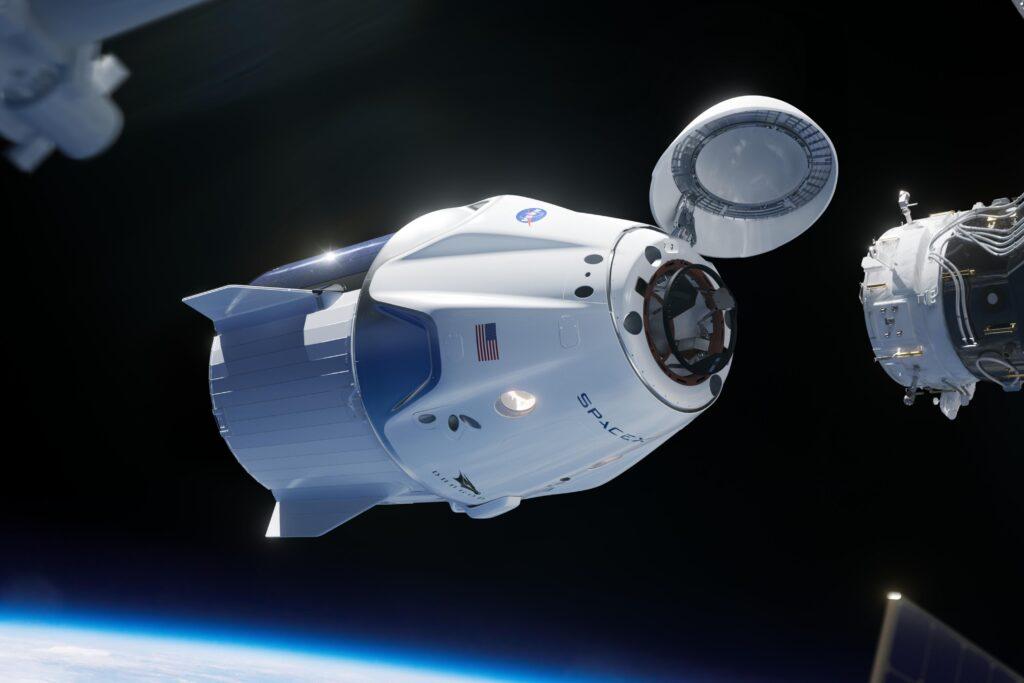 la société privée d'Elon Musk Space X envoie une capsule dans l'espace pour la première fois
