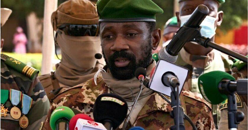 """Mali : """"Je jure devant Dieu et le peuple malien de préserver en toute fidélité le régime républicain (...) """", le colonel Assimi Goita officiellement investi comme président de transition"""