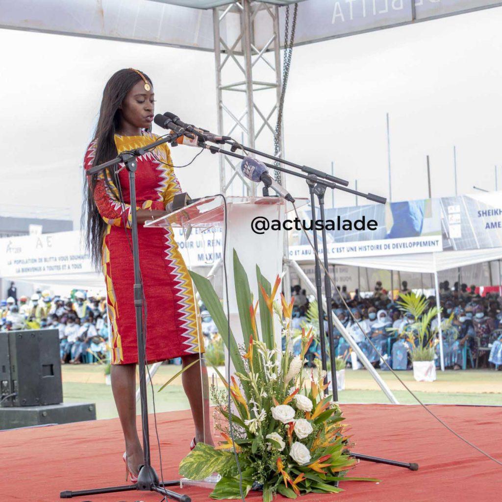 Togo : un jeune homme déclare sa flamme à la ministre Mila Aziablé