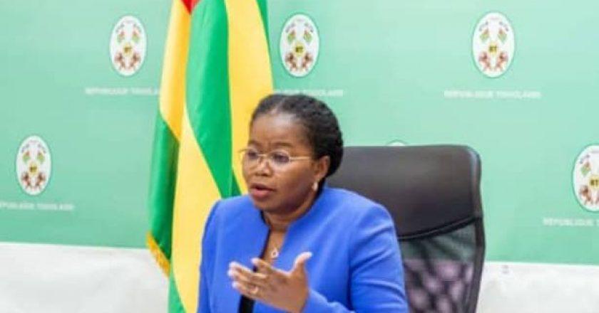 Togo / Covid-19 : « nous sommes obligés de passer à une autre stratégie pour être plus agressifs et faire peur », Victoire Tomegah-Dogbe